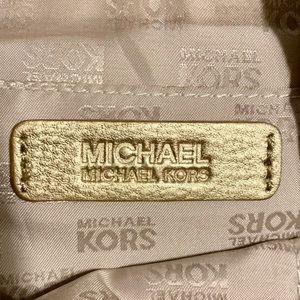 Michael Kors Bags - Michael Kors Jet Setting Canvas Tote